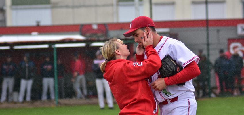 Top pitcher Kenny Van den Branden surprises everyone with a Time-Out Marriage Proposal during Game 1 of the Belgian Baseball Series.